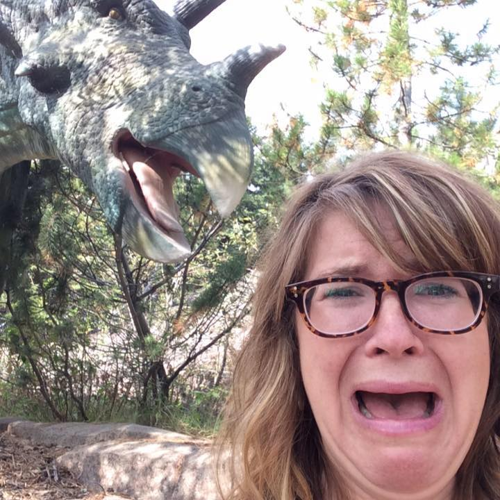 picture of Kyla and a dinosaur